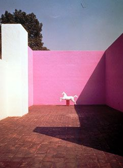 Luis Barragán (Minimalist Patio) One of my favorite architects from Mexico. Known as one of the best architects of the 20th Century worldwide.