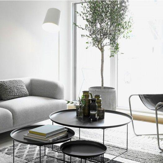 leuk zo'n olijfboomn in de woonkamer kleine tafeltjes ook leuk en handig