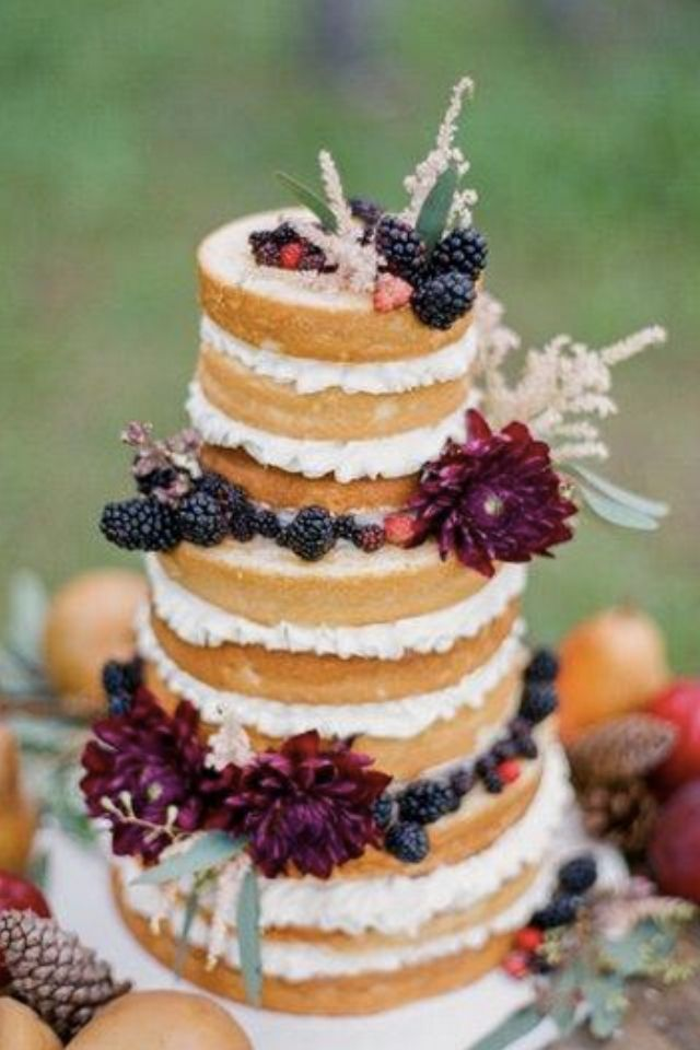 ~ As if straight from the woods, a beautiful nature-inspired wedding cake ~