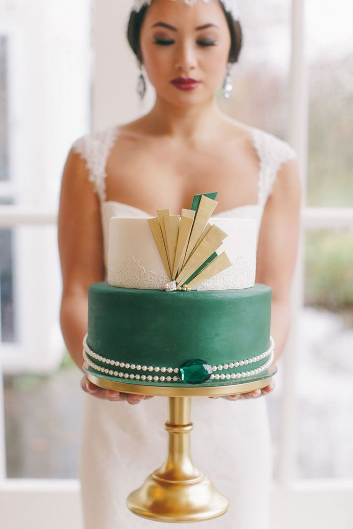 Snippets, Whispers and Ribbons – 20 Deliciously Deco Wedding Cakes