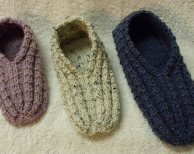 Knitting Shoes Tutorial : Easy to knit bow slippers tutorial knitting pattern for