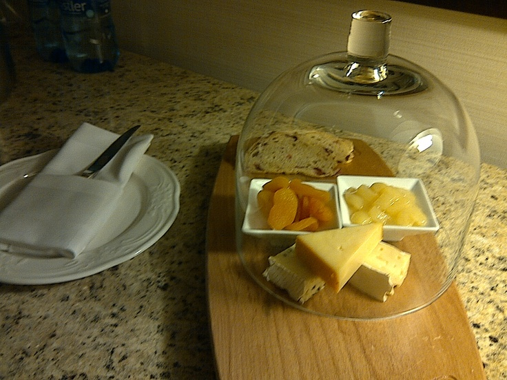 Cheese! A welcome tray from the Four Seasons, Vancouver.: Seasons Vancouver, Seasons Hotels, The Four Seasons