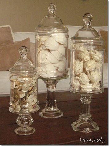 I'm a sucker for white, for sea shells and for these amazing apothecary jars from candlesticks...