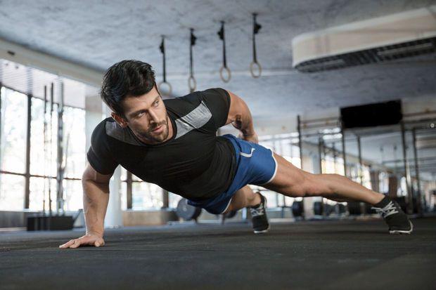 'High intensity interval training' --- HIIT- workout op een hometrainer met 5 x 2 min. sprinten en de overige 18 minuten matige beweging.