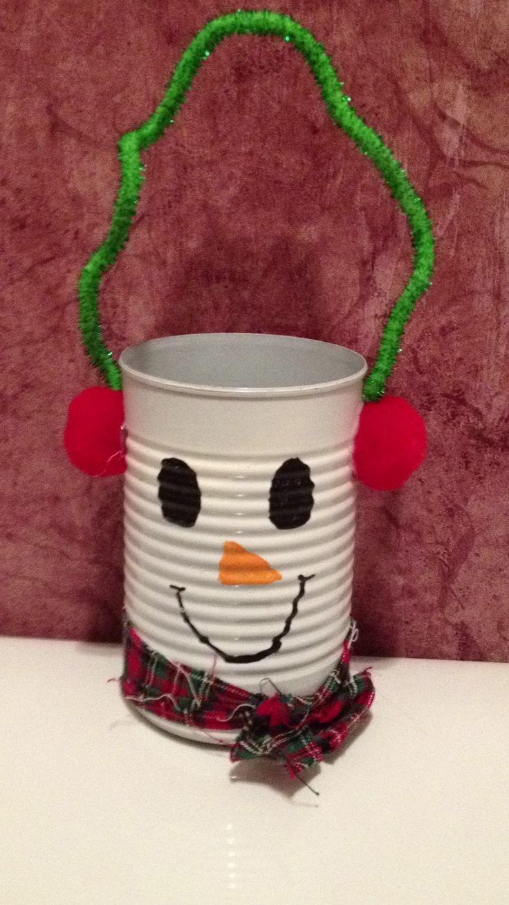 Χριστουγεννιάτικο δωρο-καλαθάκι από κονσερβοκούτι...