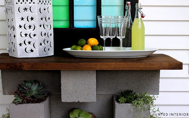 DIY Cinder Block Outdoor Bar: Bar Tables, Concrete Blocks, Cinderblock Planters, Cinder Blocks, Planters Bar, Hunt'S Interiors, Blocks Planters, Outdoor Bar, Concrete Planters
