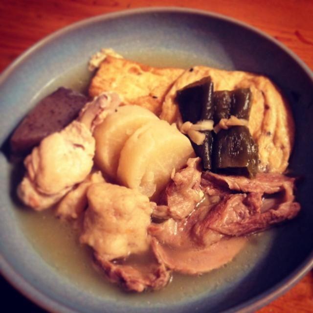 〜おでんの具〜 大根、コンニャク、がんもどき、厚揚げ、昆布巻き、牛スジ、鶏手羽元、魚つみれ。 - 45件のもぐもぐ - 1/18晩ごはん『おでん』 by kenjikino