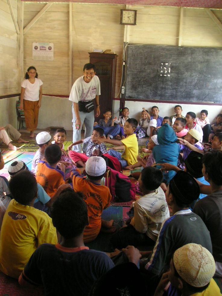 Children center untuk anak-anak korban tsunami di desa Lamreung