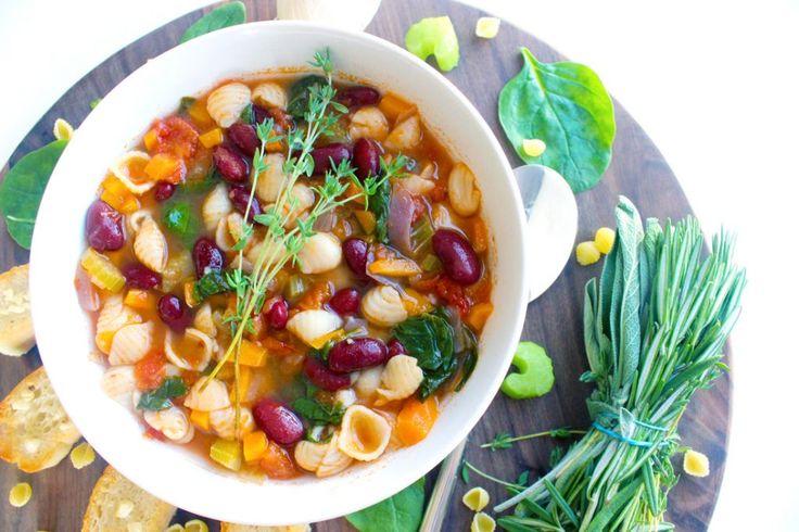 Η σούπα μινεστρόνε είναι ένα «μνημείο» της ιταλικής κουζίνας.