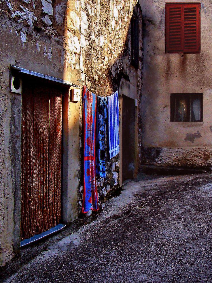 2009.08. Croatia, Biograd na moru, old town colors, lights and shadows  _  Horvátország, Biograd na moru, ó-városi színek, fények és árnyékok_foto by Peter Farsang