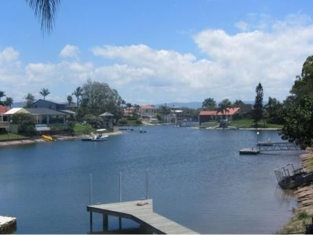 32 Bermuda Street, Broadbeach Waters for sale $735,000