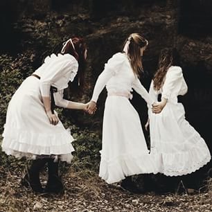 We have this image in the piece.  Pic original caption: Picnic at Hanging Rock, 1975. Costume design by Judith Dorsman//