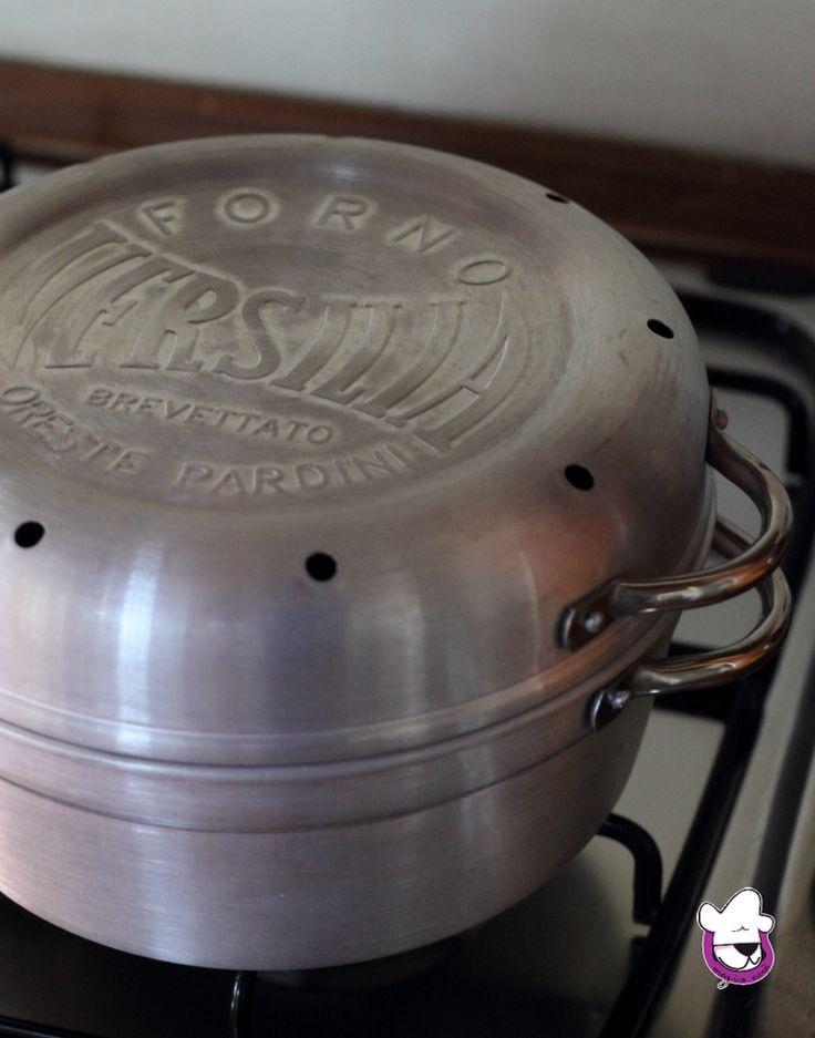 E da oggi ho un amico in più in cucina   FORNETTO VERSILIA - cos'è e come usarlo http://blog.giallozafferano.it/sognandoincucina/fornetto-versilia-cos-e-e-come-usarlo/  #gialloblogs #pasticciandoconmagicananà #fornettoversilia