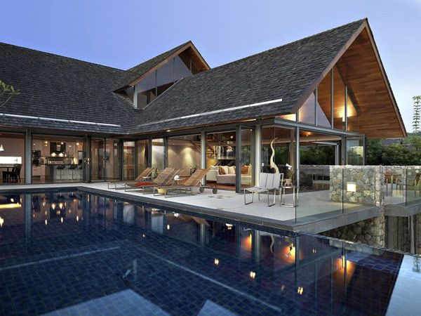 Villa in Thailand Combining Asian Furnishings with a High Comfort Level