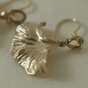 Homemade Silver Jewelry Cleaner thumbnail