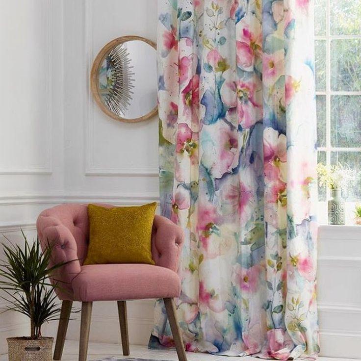#шторы из восхитительной #ткани Blooming Florals @voyage_deco с акварельным принтом Нежного всем утра #voyagedeco #interiors #galleria_arben