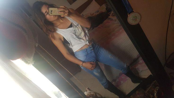 #Jean #rotos #descomplicado #atrevido #Blue #black #outfit