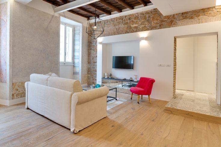 Contemporary yet rustic apartment on the via sistina home casas dise o de interiores y - Disenador de interiores online ...