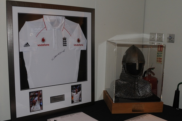a signed England cricket shirt and a 'Kingdom of Heaven' memorabilia.