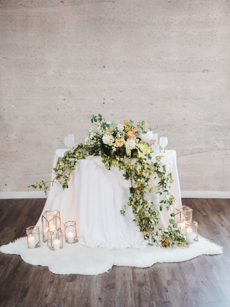 Modern Teal and Orange Industrial Wedding Inspiration | Modern Sweetheart Table