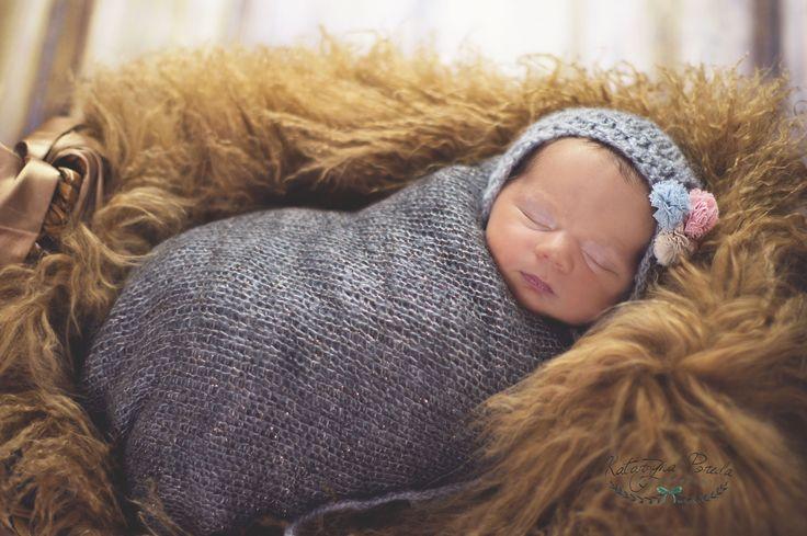 NEWBORN PHOTOGRAPHY  LOVELY SMALL GIRL. KATARZYNA POREDA SESJA DZIECIĘCA WARSZAWA