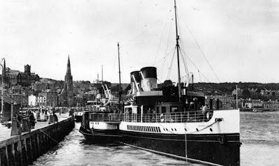 Photograph of famous paddle steamer, Jeanie Deans, Rothesay.