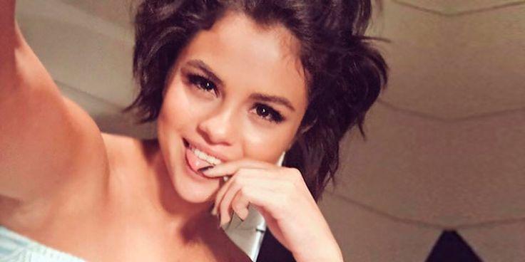 Poses que le tienes que copiar a Selena Gómez para tus selfies