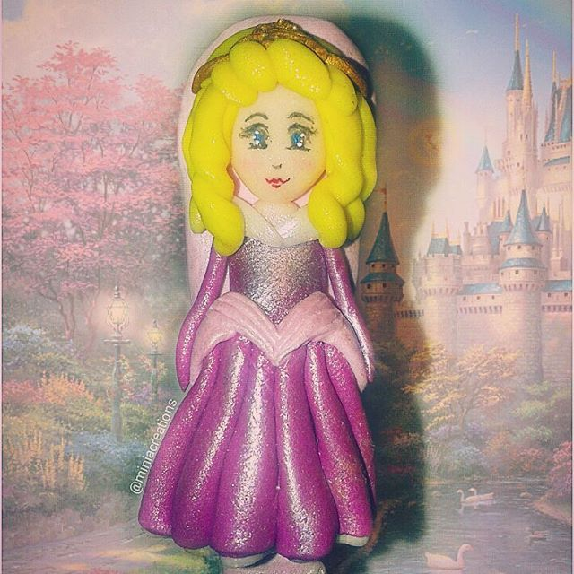 👑👗 #princess #sleepingbeauty #princesa #childhood #favorite #character #pink #gown #doll #charm #polymerclay #handmade #star #decorations #clay #claycharm #unique #ooak #oneofakind #charms #kawaii #art #atelier #design #miniacreations #polymer #creations #sculpey #fimo #cute