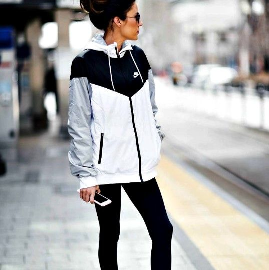 Nike windrunner jacket. Shop now at CLEMMI! #style #fashion #ootd #clemmi #Nike