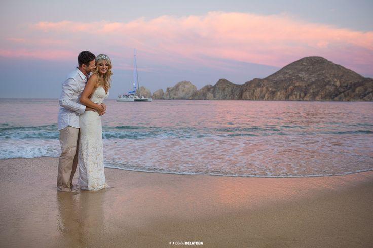 Wedding at Medano Beach #weddingsinloscabos #loscabos #beach #cabophotographer #josafatdelatoba #weddingphotography #weddingphotographer #caboweddings