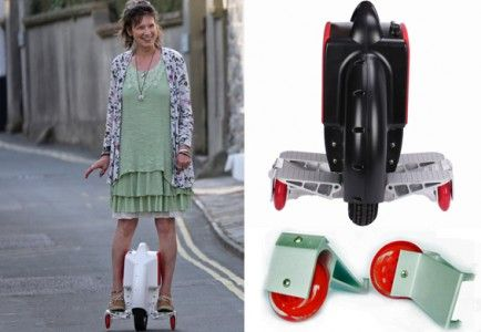AIRWHEEL with learn to ride stabilisers