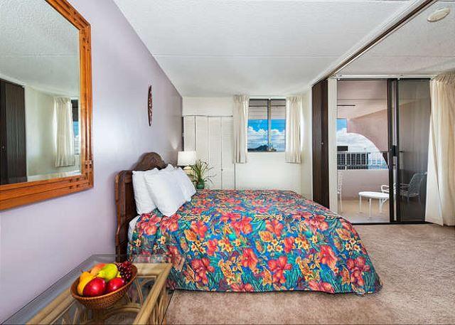 Royal Kuhio Ocean 1BD 31st Floor | Waikiki Condos | Oahu Vacation Rentals - Queen Bed in Bedroom