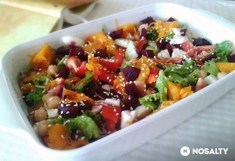 Csicseriborsós-sütőtökös-céklás saláta