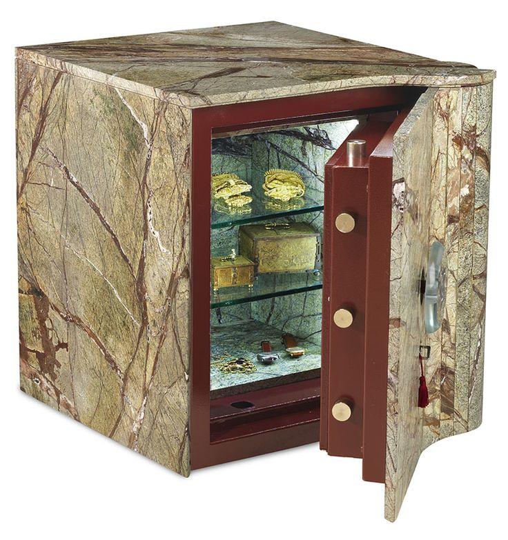 Cassaforte in marmo con battente aperto #luxury #safes #design #internaldesign #cassaforte #casseforti #madeinitaly #marmo #marble #lusso #gioielli #orologi