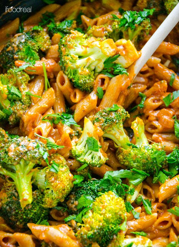 closeup-healthy-creamy-penne-broccoli-recipe    se no salt/sugar added tomato sauce like Muir Glen Organic Tomato Sauce. A power food penne like Eating Right Penne, Buckwheat (Safeway brand) & fat free cheese like Kraft Natural Shredded Cheese, Mozzarella, Fat Free to keep it Simply Filling.