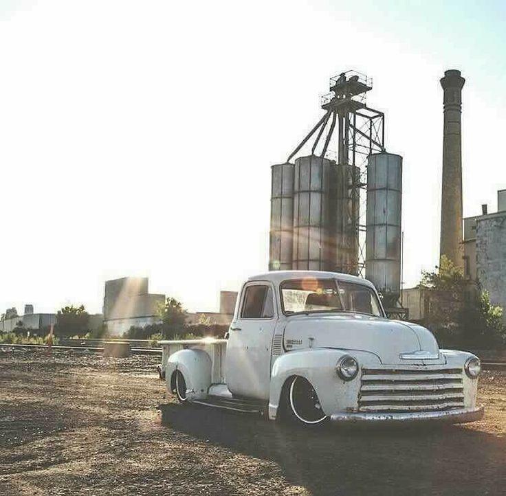 Sexy old trucks (LOVE)