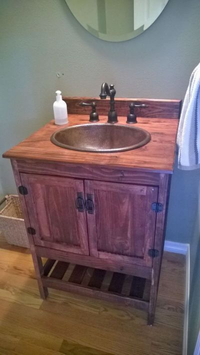 Rustic vanity made from pallet