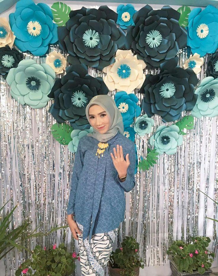 #referensikebaya #batik #kebaya #lamaran #engagement #engagementday #happyengagement #inspirasikebaya #inspirasibatik #inspirasilamaran #backdrop #dekorasilamaran #dekorasi