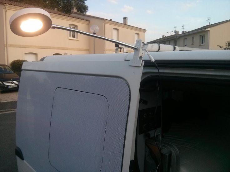 Eclairage LED extérieur fourgon aménagé