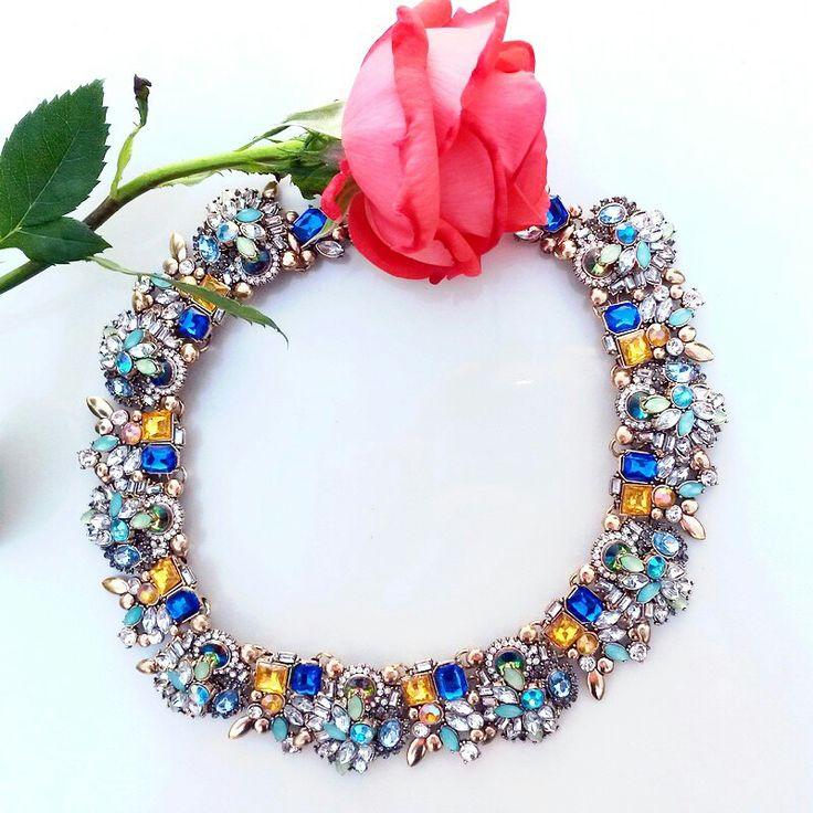 Statement necklace.  Green crystal.  www.ninojewelry.hu