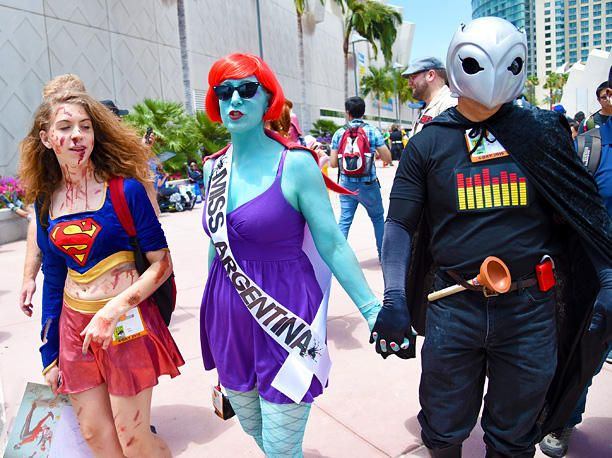 SUPERGIRL, MISS ARGENTINA, PHANTOM OF THE PARADISE - Comic-Con 2015 - Costumes you HAVE to see - EW.com