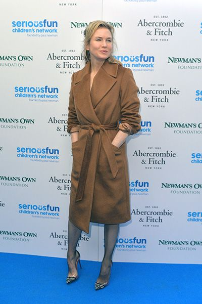 Рене Зеллвегер покорила гостей раута своей ослепительной красотой! Фото