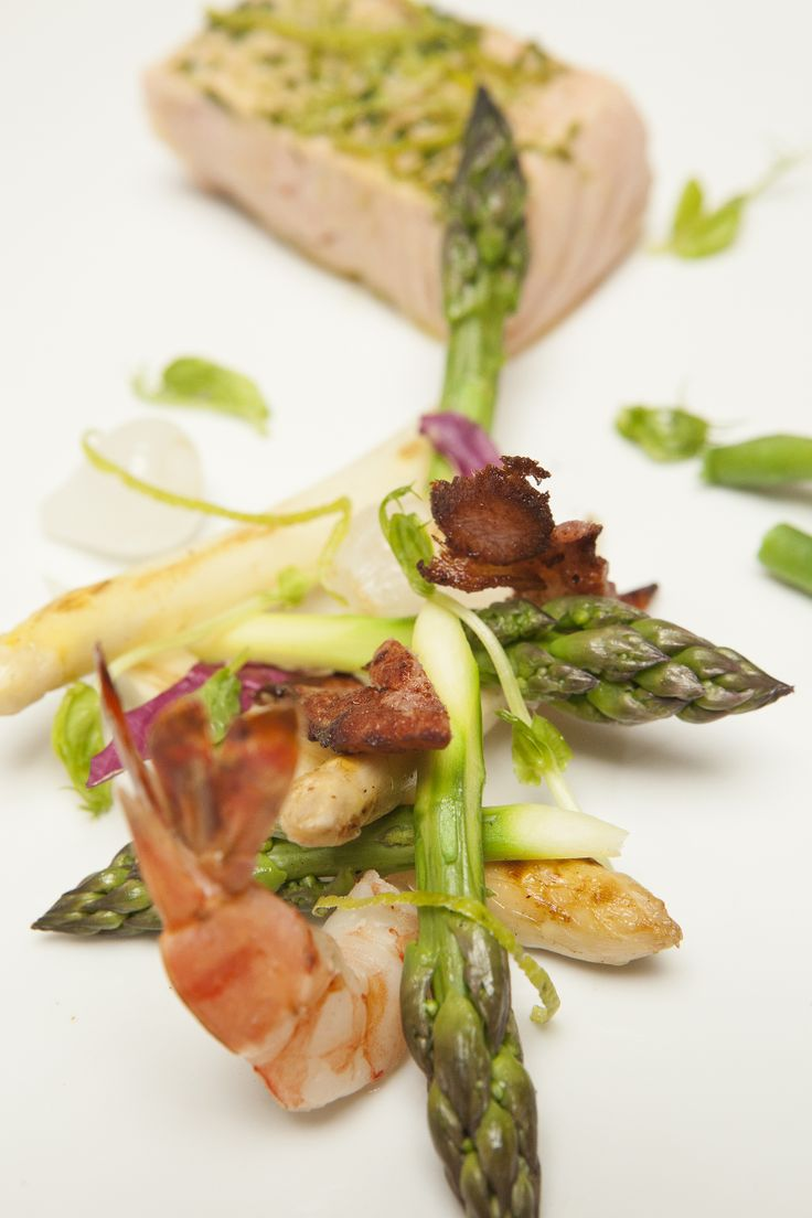 Grilled Green Asparagus with poached Salmon Steak and Bacon