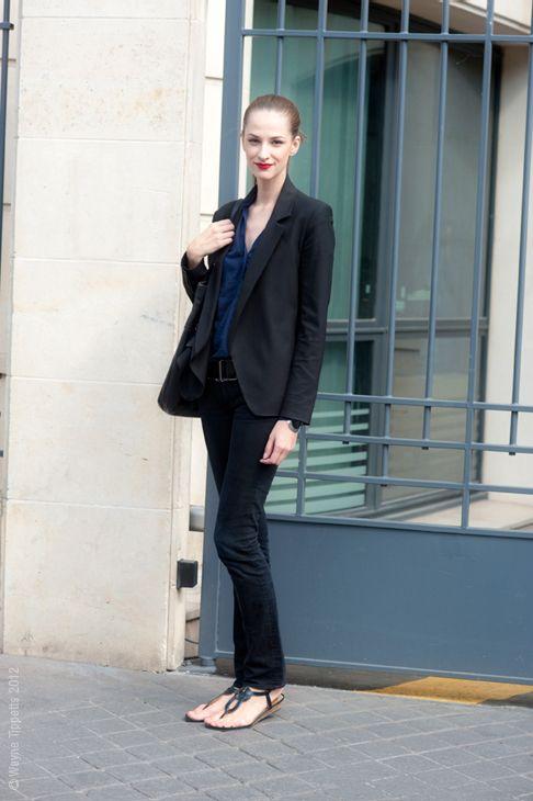 Maria Kashleva in a Blazer, Button-Up Shirt, Jeans, & Sandals: Style Inspiration, Street Styles, Style Aesthetics
