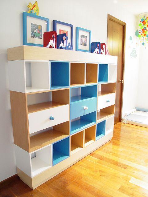 Librero infantil. Modular combinacion de colores y Madera. | Flickr: Intercambio de fotos