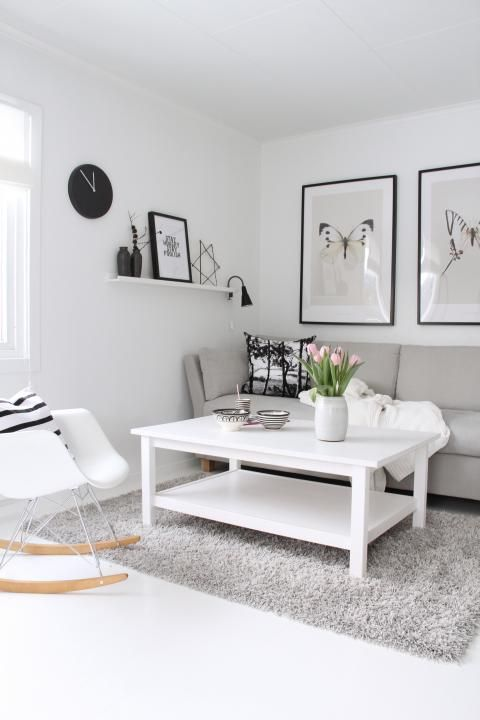 white, grey and black.... perfect colour combination...