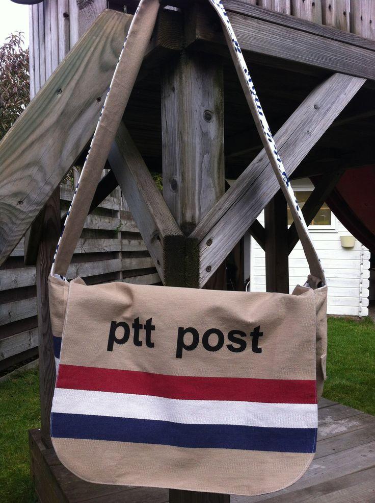 PTT Post sporttas !!  Lekker ruim voor al je sportspullen
