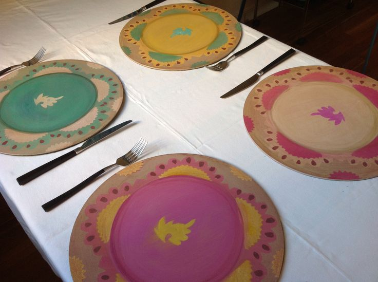 Sotto piatti tondi dipinti a mano