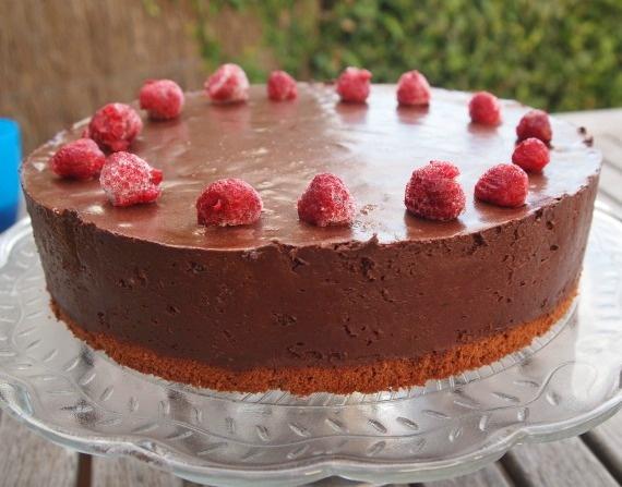 Chocolate custard mousse cake (recipe by Dan Lepard from Guardian)