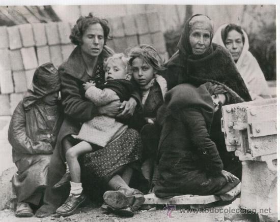 Refiguats catalans de la Guerra Civil al Perthus. 1939. / Catalan refugiees from the Spanish civil war in Perthus (France) (1939).